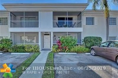 Broward County , Palm Beach County Condo/Townhouse For Sale: 6297 Bay Club Dr #2