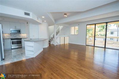 Condo/Townhouse For Sale: 1401 NE 9th St #44