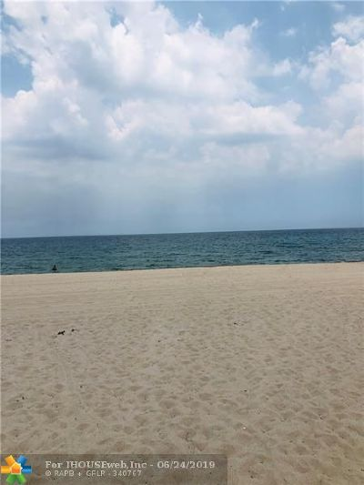 Lauderdale By The Sea Condo/Townhouse For Sale: 1967 S Ocean Blvd #307