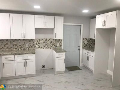 Miami Single Family Home For Sale: 3044 NW 50th St