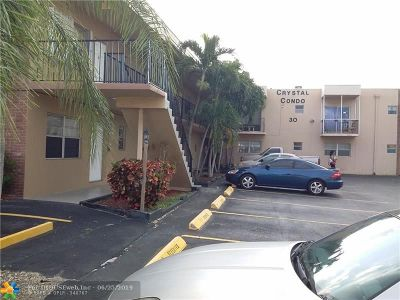 Hallandale Condo/Townhouse For Sale: 30 SE 4th Ave #104