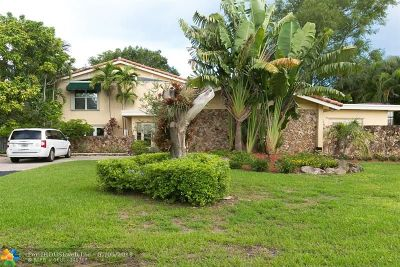Pompano Beach Single Family Home For Sale: 1004 E Cypress Dr