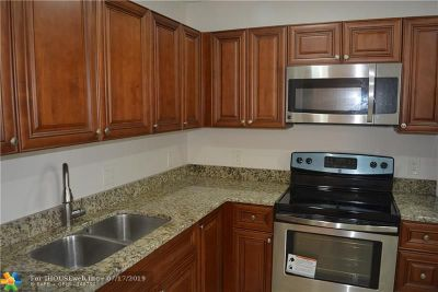 Lauderhill Condo/Townhouse For Sale: 4310 NW 12th Ct #211