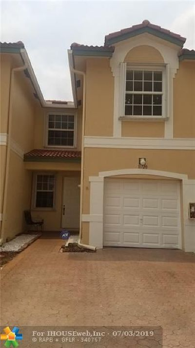 Coral Springs Condo/Townhouse For Sale: 11720 NW 47th Dr #11720