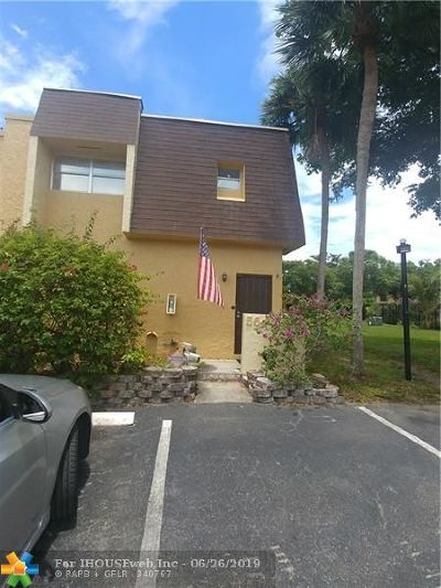 Lauderhill Condo/Townhouse For Sale: 5644 Blueberry Ct