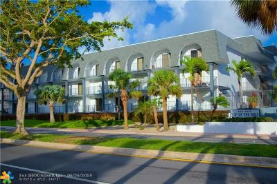 Lauderdale By The Sea Condo/Townhouse For Sale: 4013 N Ocean Dr #114