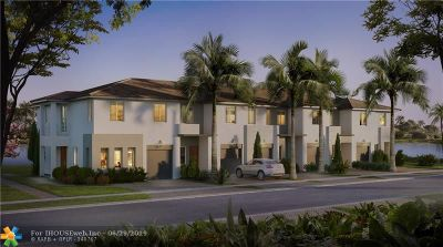 Palm Beach County Condo/Townhouse For Sale: 761 Pioneer #47