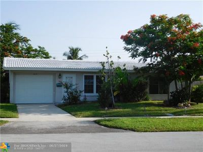 Deerfield Beach Single Family Home For Sale: 1015 SE 6th St