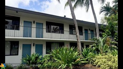 Wilton Manors Condo/Townhouse For Sale: 1901 N Andrews Ave #220