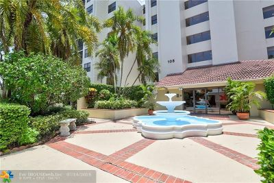 Oakland Park Condo/Townhouse For Sale: 105 Lake Emerald Dr #415