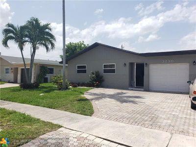 Deerfield Beach Single Family Home For Sale: 3230 SW 1 Street