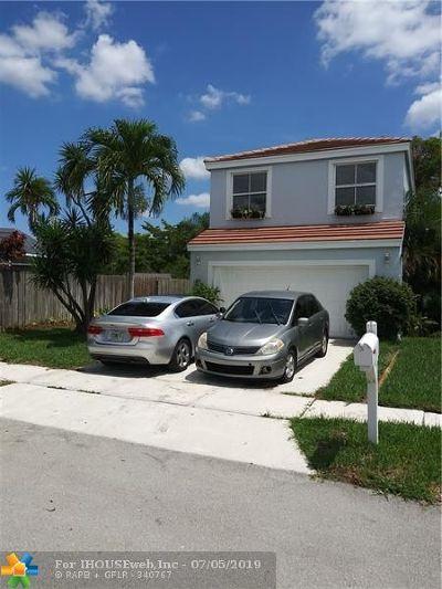 Margate Single Family Home For Sale: 6365 Seminole Ter