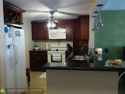 Pompano Beach Condo/Townhouse For Sale: 4354 NW 9th Ave #14-3E