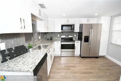 Coconut Creek Condo/Townhouse For Sale: 3201 Portofino Pt #L-1