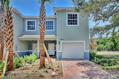 Delray Beach Condo/Townhouse For Sale: 1060 Crystal Way #2D