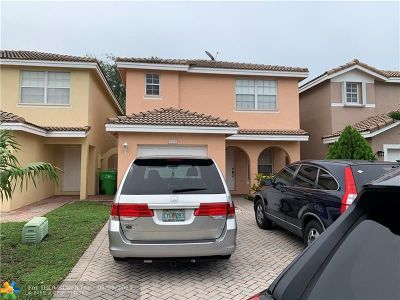 Sunrise Single Family Home For Sale: 9375 NW 55th St