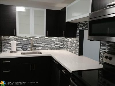 Fort Lauderdale Condo/Townhouse For Sale: 1800 N Andrews Ave #4H