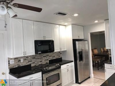 Margate Single Family Home For Sale: 1635 NW 67th Ave