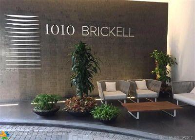 Miami Condo/Townhouse For Sale: 1010 Brickell Ave #2407