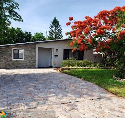 Broward County Single Family Home For Sale: 221 NE 43rd St