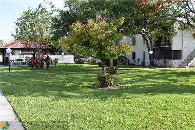 Palmetto Bay Condo/Townhouse For Sale: 8701 SW 141st St #G-3