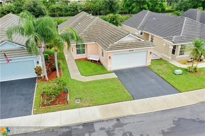 Davie Single Family Home For Sale: 9239 Arborwood Cir