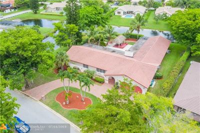 Coral Springs Single Family Home For Sale: 1571 NW 100th Dr