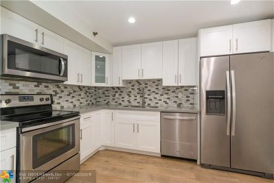 Hollywood Condo/Townhouse For Sale: 901 Hillcrest Dr #402