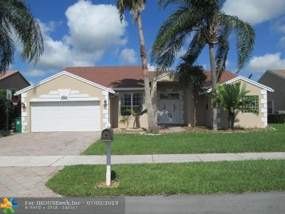 Davie Single Family Home For Sale: 1475 SW 97 Way