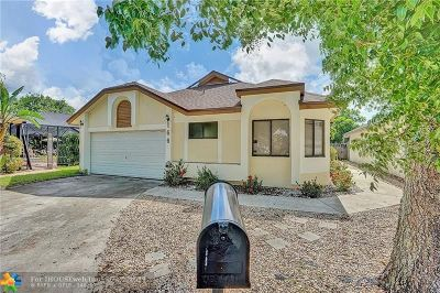 North Lauderdale Single Family Home For Sale: 166 Colly Way