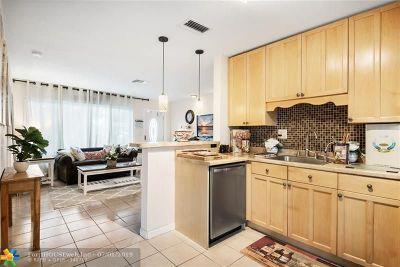 Pompano Beach Single Family Home For Sale: 2641 NE 7th Ter