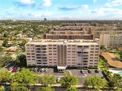 Hallandale Condo/Townhouse For Sale: 400 NE 12th Av #305