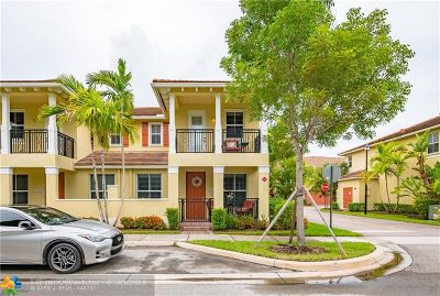 Coconut Creek Condo/Townhouse For Sale: 4796 Sierra Ln #4796