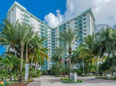Hollywood Beach, Hollywood Beach 1-27 B, Hollywood Beach Gardens 1, Hollywood Beach Gardens C, Hollywood Beach Heights S Condo/Townhouse For Sale: 3901 S Ocean Dr #3B