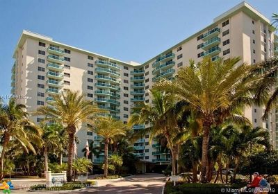 Hollywood Beach, Hollywood Beach 1-27 B, Hollywood Beach Gardens 1, Hollywood Beach Gardens C, Hollywood Beach Heights S Condo/Townhouse For Sale: 3901 S Ocean Dr #3Y