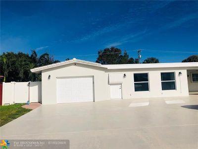 Pompano Beach Single Family Home For Sale: 2420 NE 15th Ter