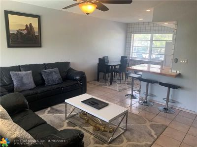 Fort Lauderdale Condo/Townhouse For Sale: 2616 NE 30th Pl #207A