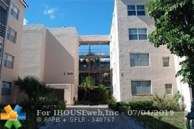 Lauderdale Lakes Condo/Townhouse For Sale: 2850 Somerset Dr #407L