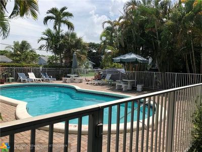 Wilton Manors Condo/Townhouse For Sale: 1125 NW 30 Ct #10