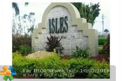 Sunrise Condo/Townhouse For Sale: 13090 Vista Isles Dr #124