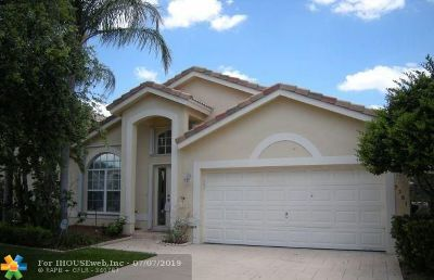 Coral Springs Single Family Home For Sale: 5281 NW 113th Ave