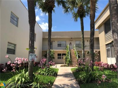 Delray Beach Condo/Townhouse For Sale: 895 Normandy S #895