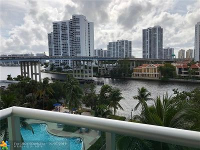 Sunny Isles Beach Condo/Townhouse For Sale: 19390 Collins Ave #611