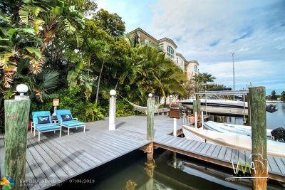 Single Family Home For Sale: 324 Hendricks Isles