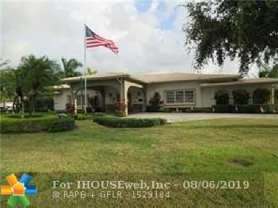 Tamarac FL Single Family Home For Sale: $211,000