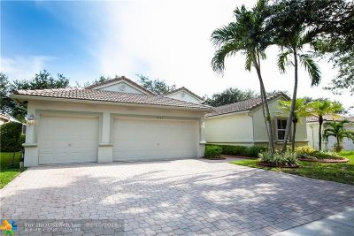 Coconut Creek Single Family Home For Sale: 5245 NW 51st St