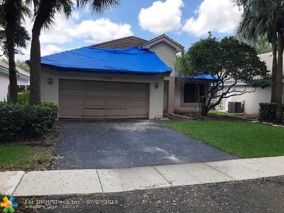 Plantation Single Family Home For Sale: 9721 NW 18th Mnr