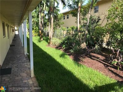 Wilton Manors Condo/Townhouse For Sale: 2643 NE 8th Ave #3