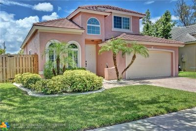 Pembroke Pines Single Family Home For Sale: 10050 NW 18th St