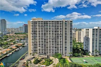 Hallandale Condo/Townhouse For Sale: 2500 Parkview Drive #1517